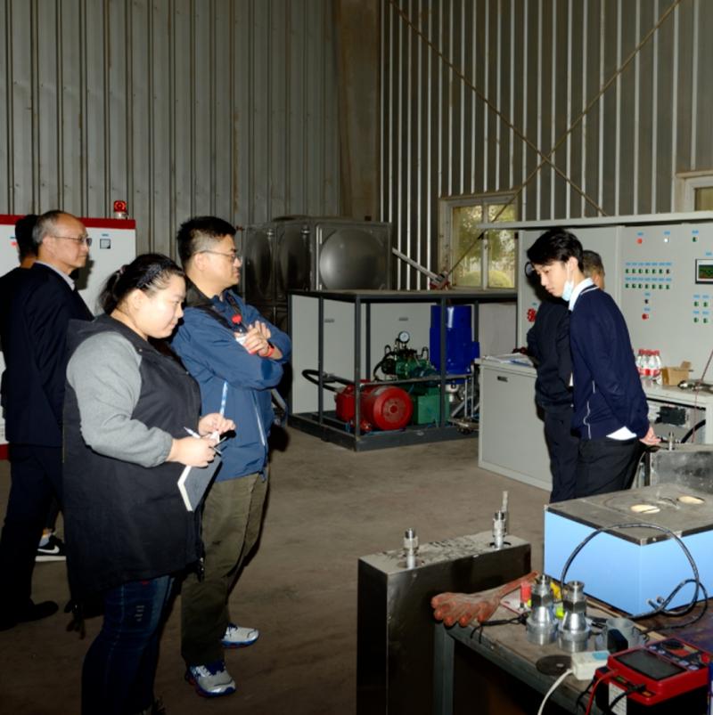 上海消防研究所的专家来到我司工厂,对细水雾灭火系统进行型式检验
